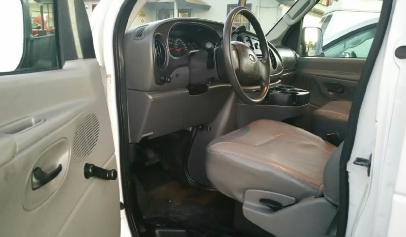 2008 Ford E-Series Wagon E-350 SD XLT full